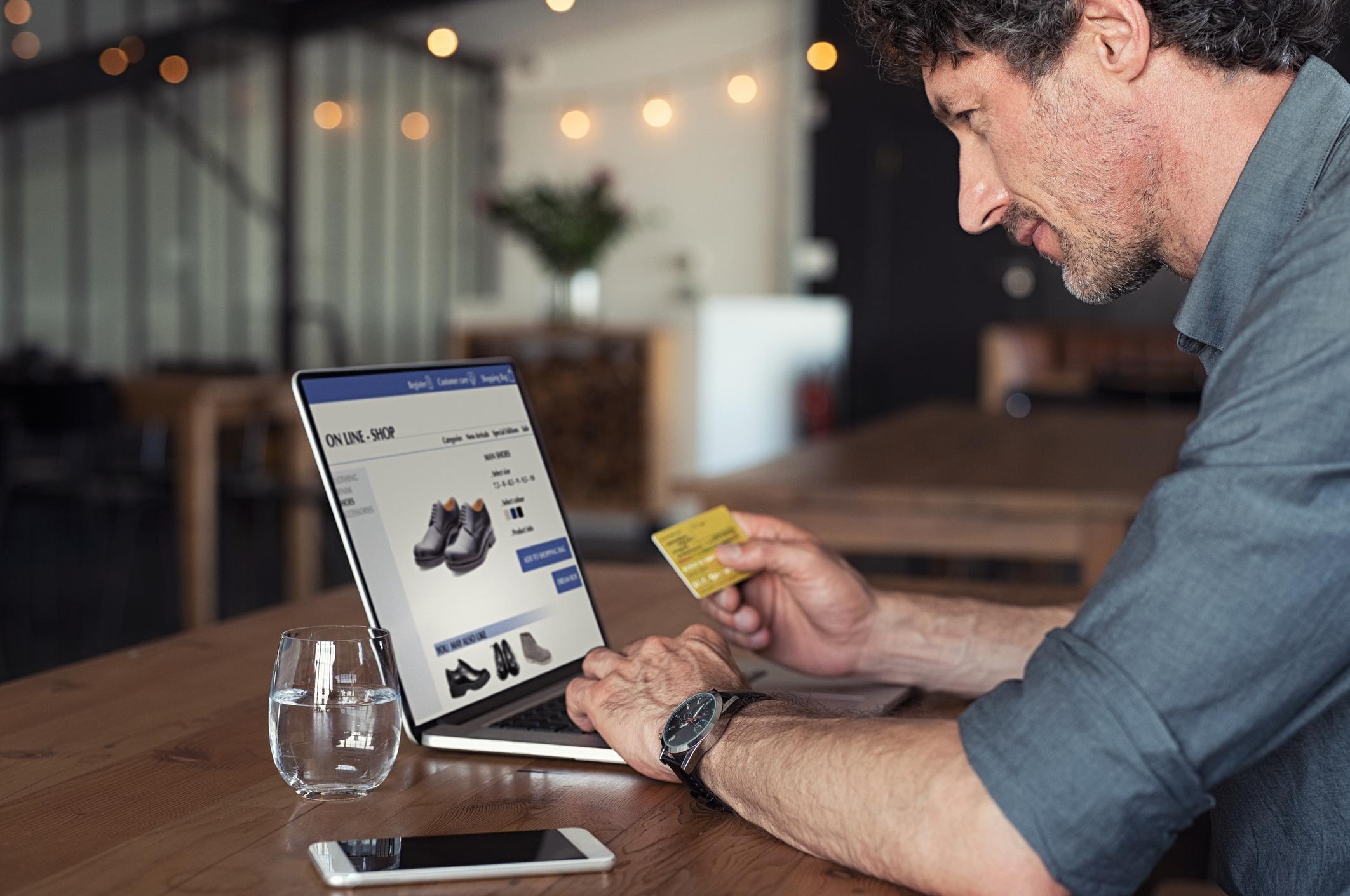 Lojalność klientów sklepu internetowego – jak ją zyskać?