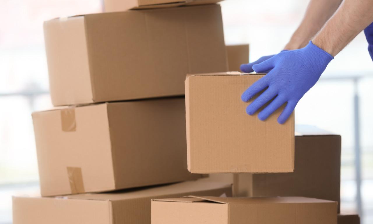 Stan zagrożenia epidemicznego – kilka prostych zasad na bezpieczne nadanie i odbiór paczki