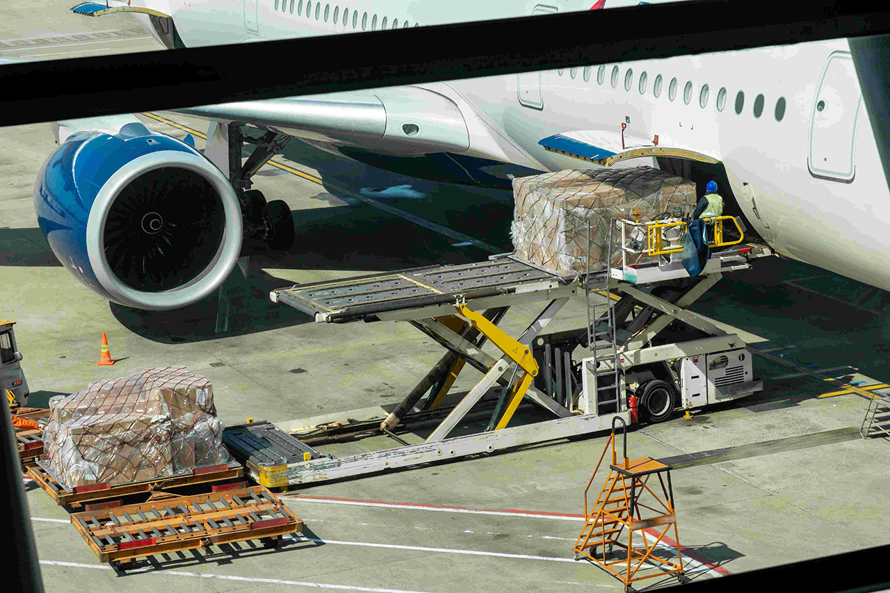 Wysyłka bagażu kurierem – dlaczego to dyskusyjna kwestia?