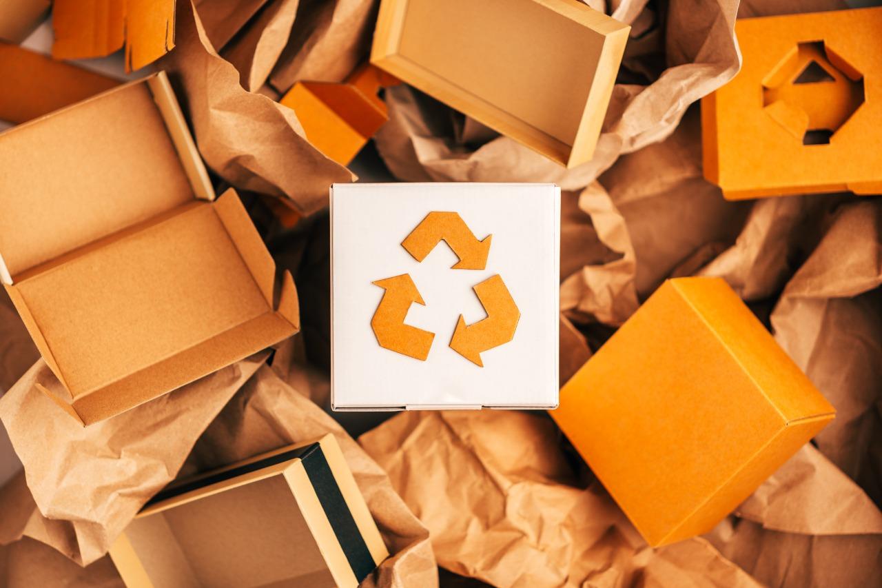 Ekologiczne pakowanie przesyłek – chwilowy trend czy przyszły standard?