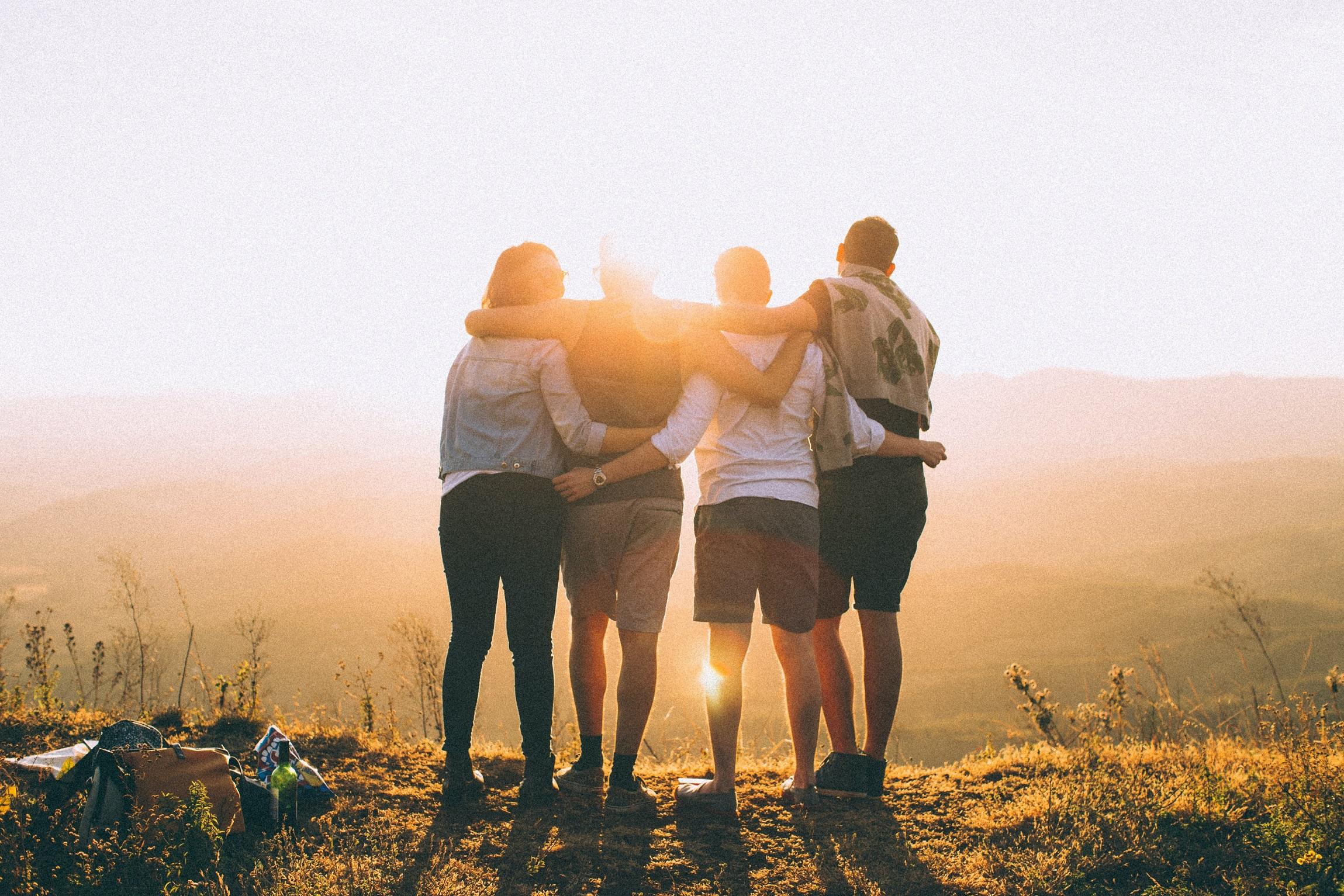 30 lipca – Międzynarodowy Dzień Przyjaźni. Jak wysłać prezent przyjacielowi w kraju lub za granicę?
