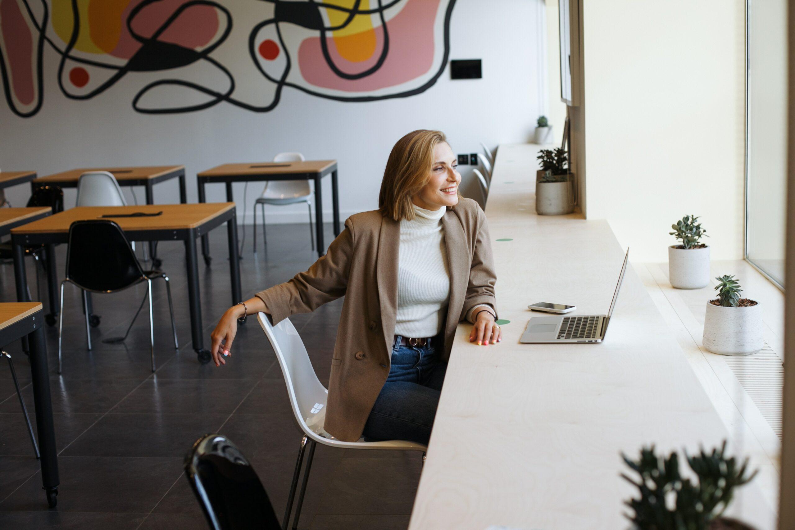 Jak zacząć sprzedawać w Internecie? Praktyczny poradnik [DARMOWY E-BOOK]