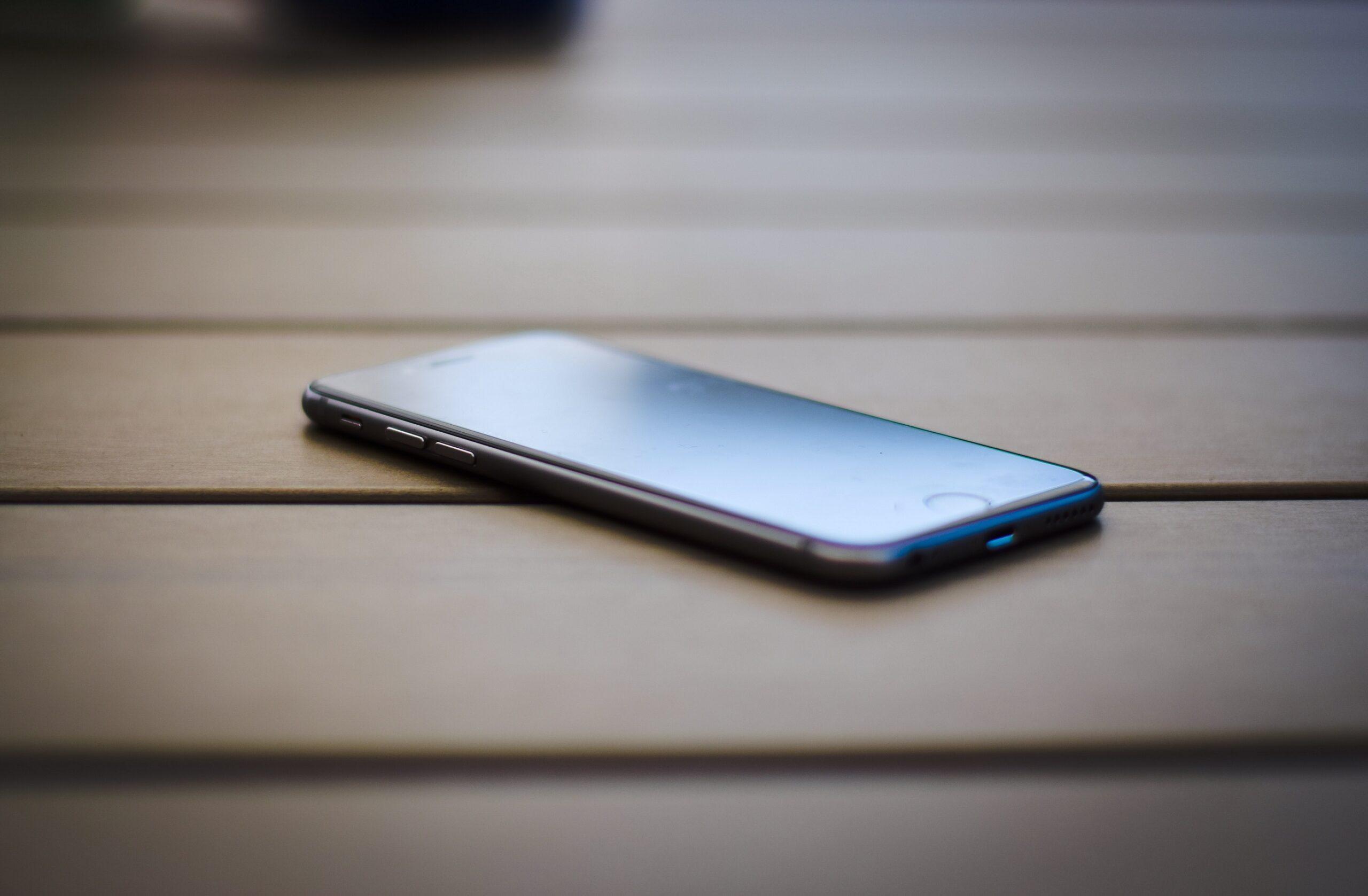 Jak wysłać smartfon kurierem?