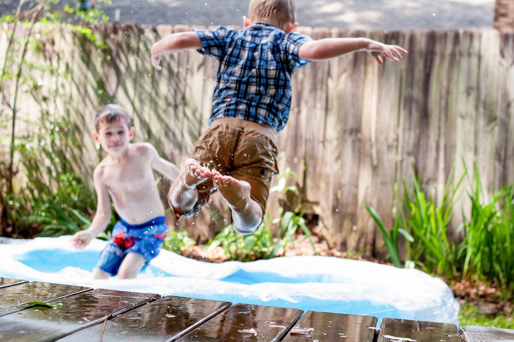 Jak wysłać trampolinę ogrodową kurierem?