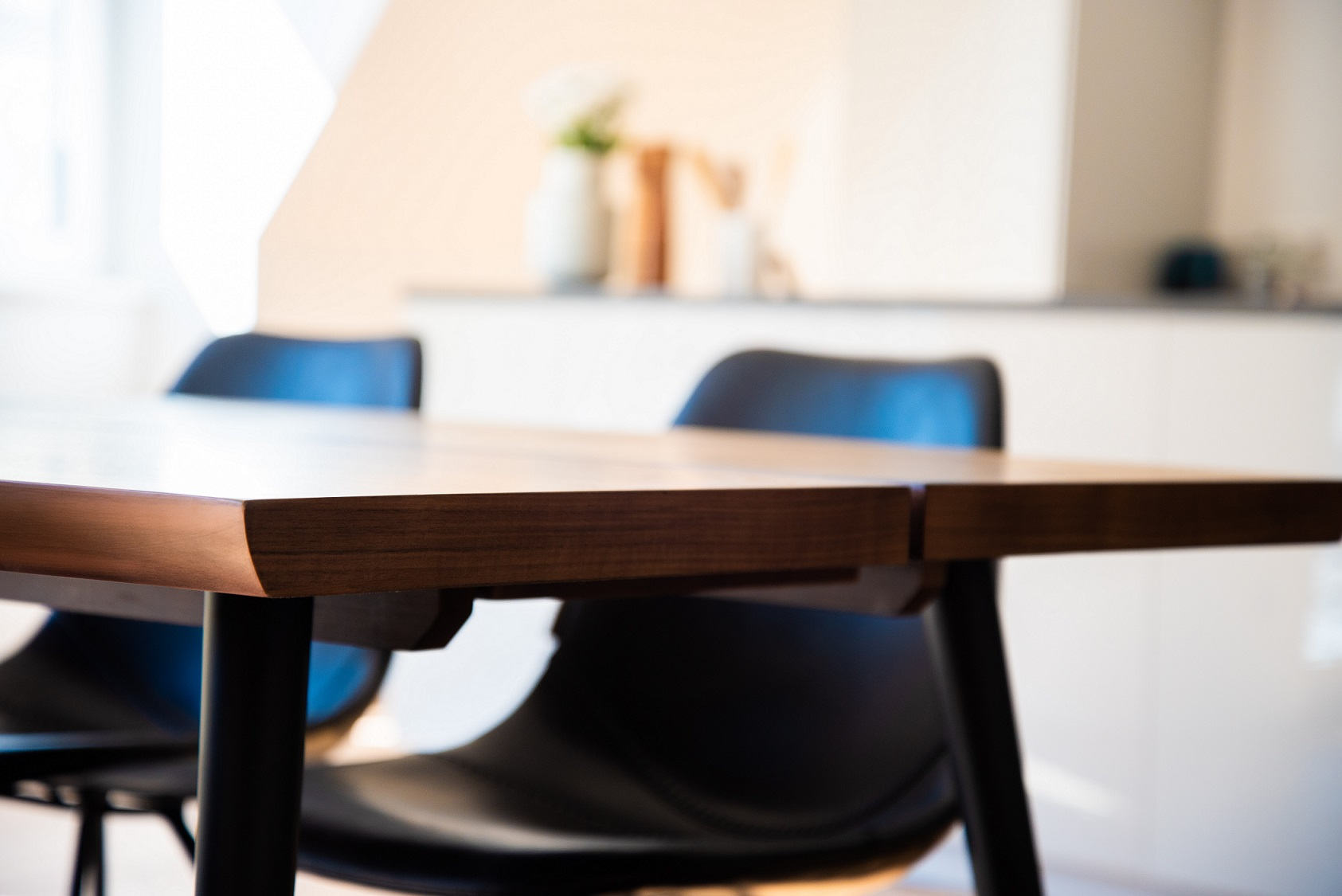Jak wysłać stół kurierem?