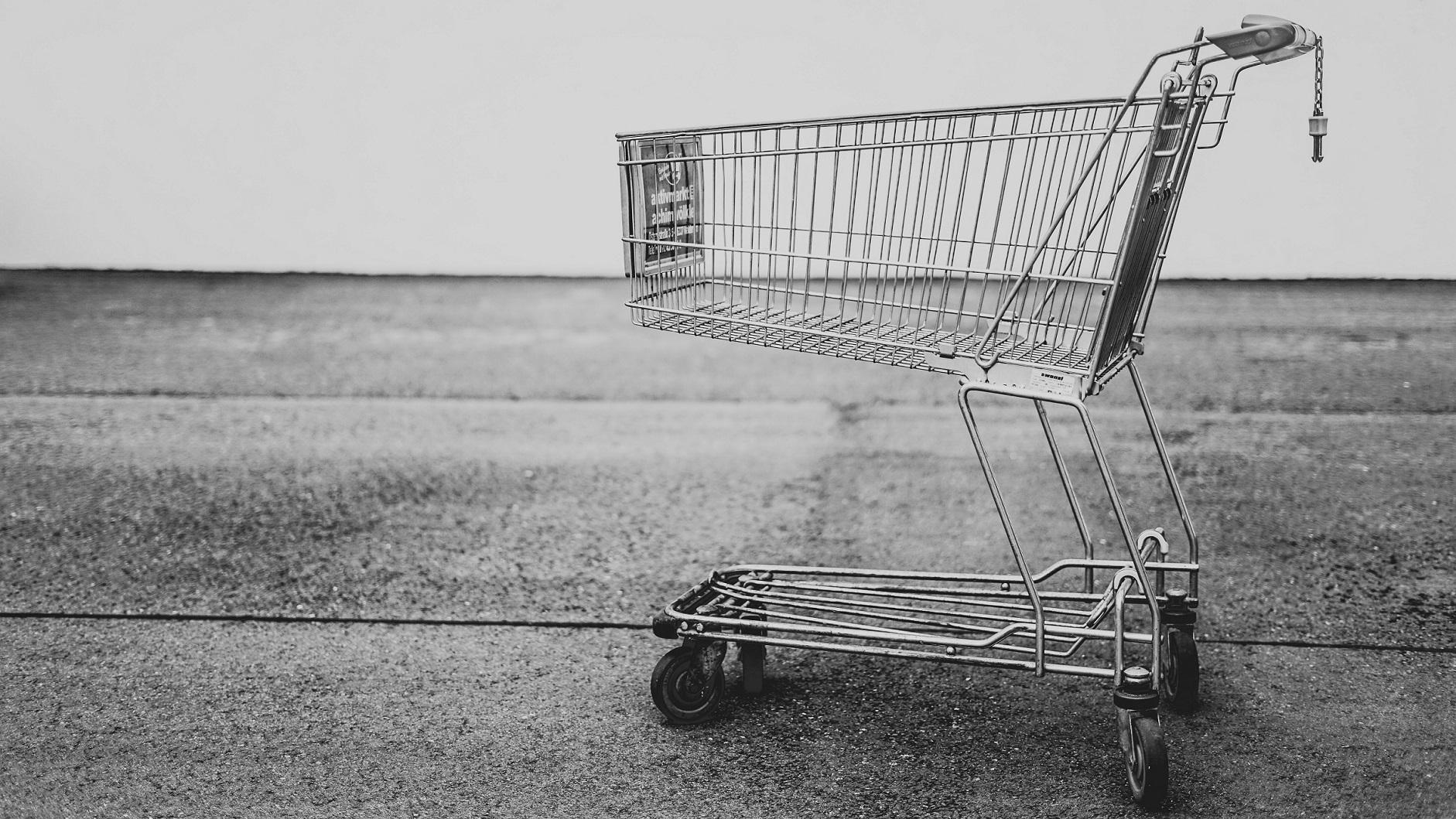 Porzucone koszyki zakupowe – jak ratować?