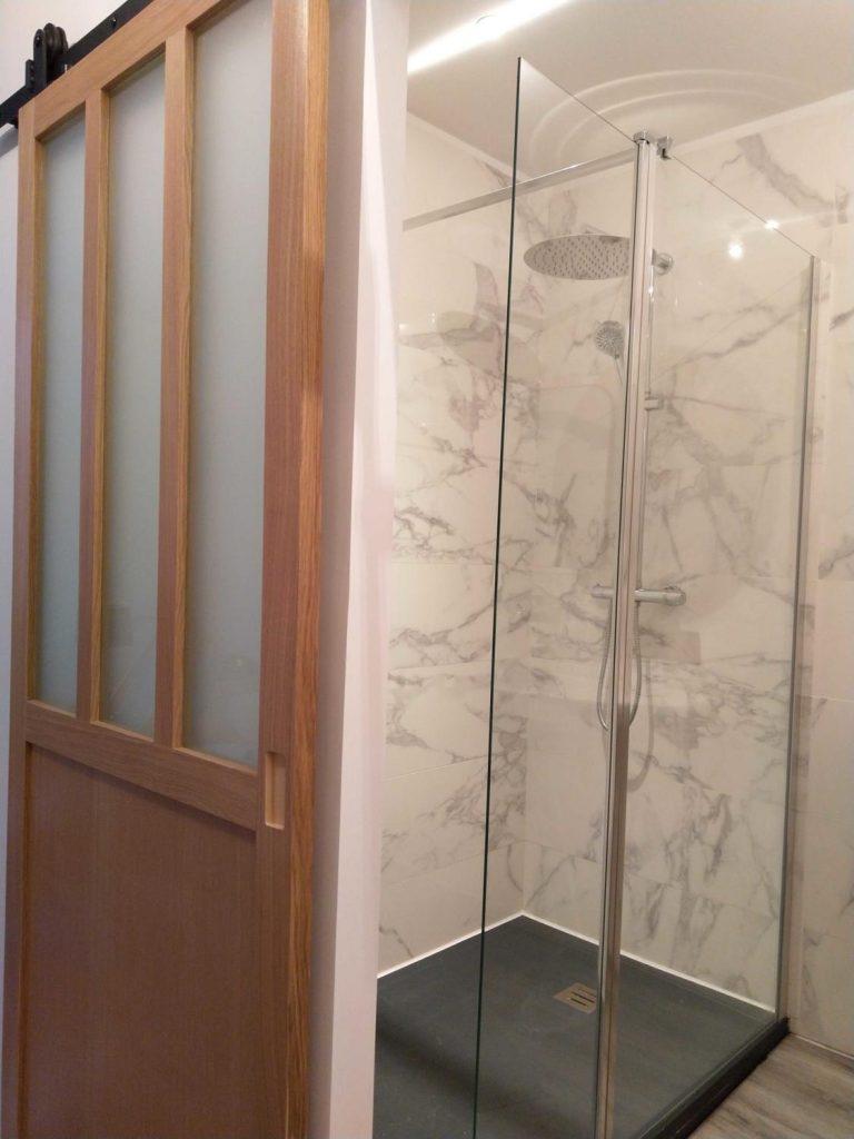 salle de bain esprit marbre