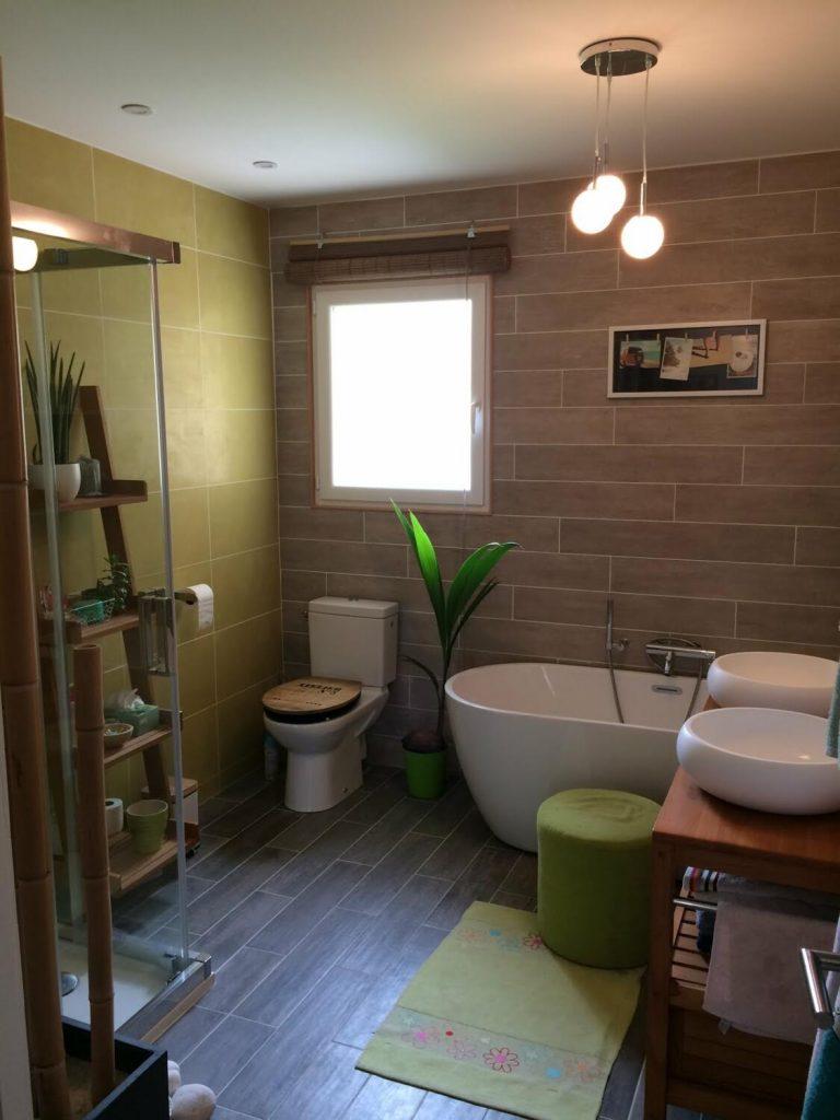 salle de bain nature verte et beige