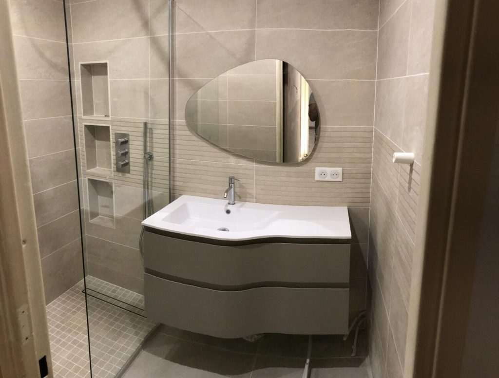 Salle De Bain Moderne 30 Idees Pour Vous Inspirer Kozikaza