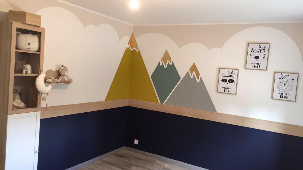 idée deco peinture chambre bébé nuages montagnes