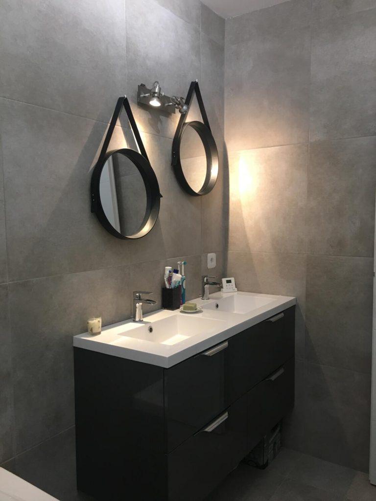 Double vasque noire moderne spots métallisés