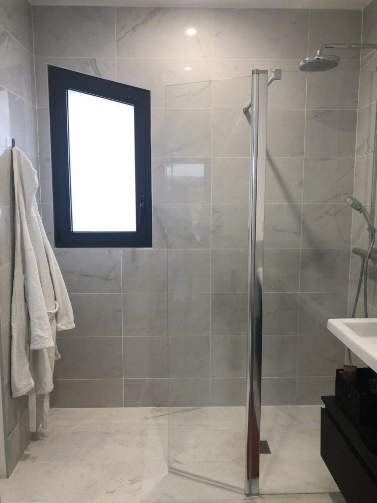 douche italienne moderne verre et métal