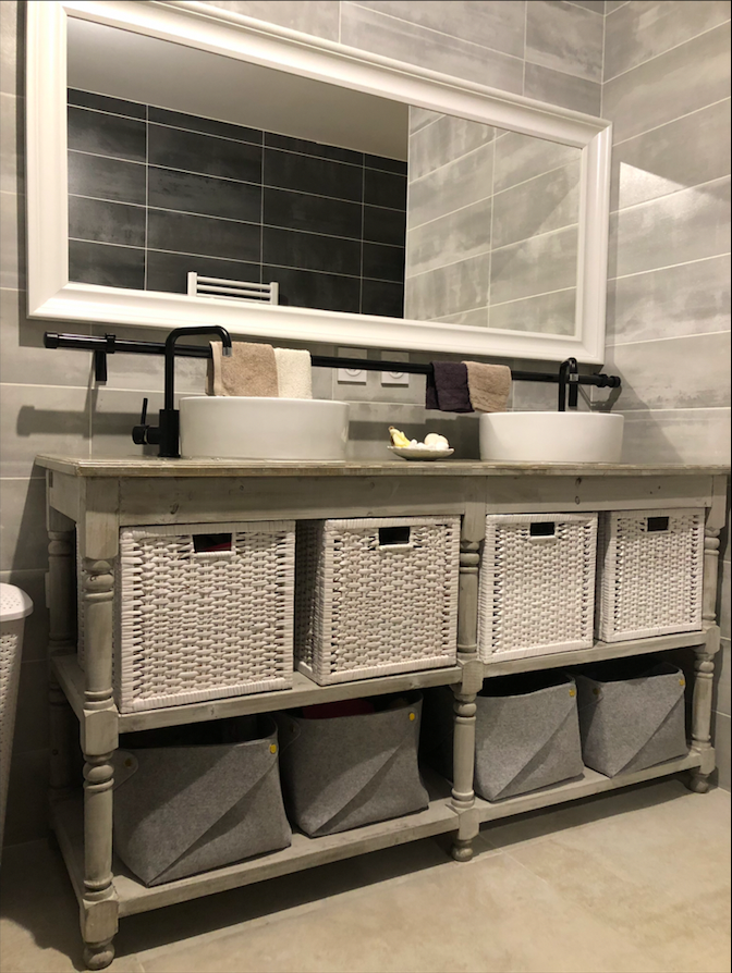 salle-de-bain-meuble-paniers