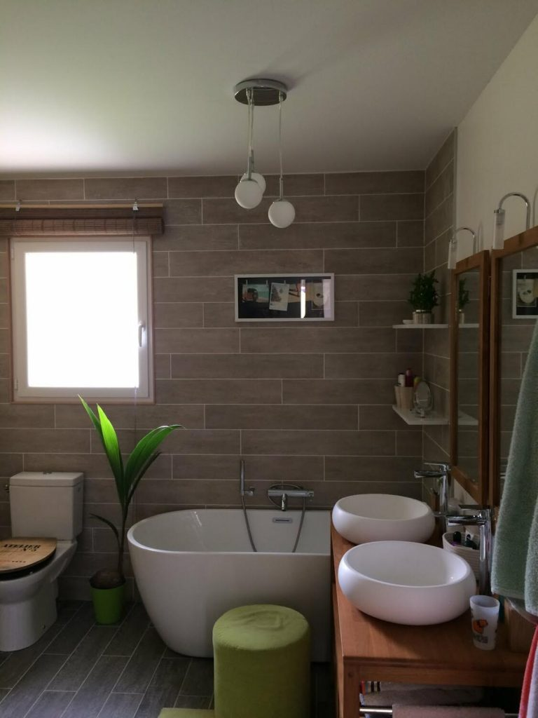 salle-de-bain-deco-nature-baignoire-ilot