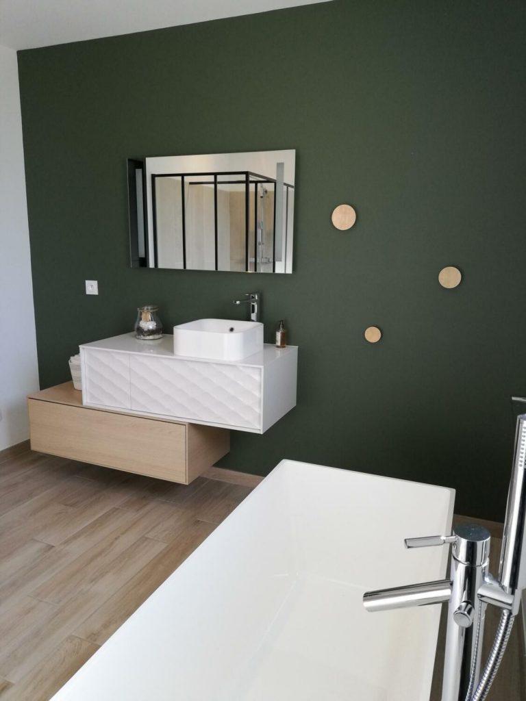 salle-de-bain-vert-foret-et-bois
