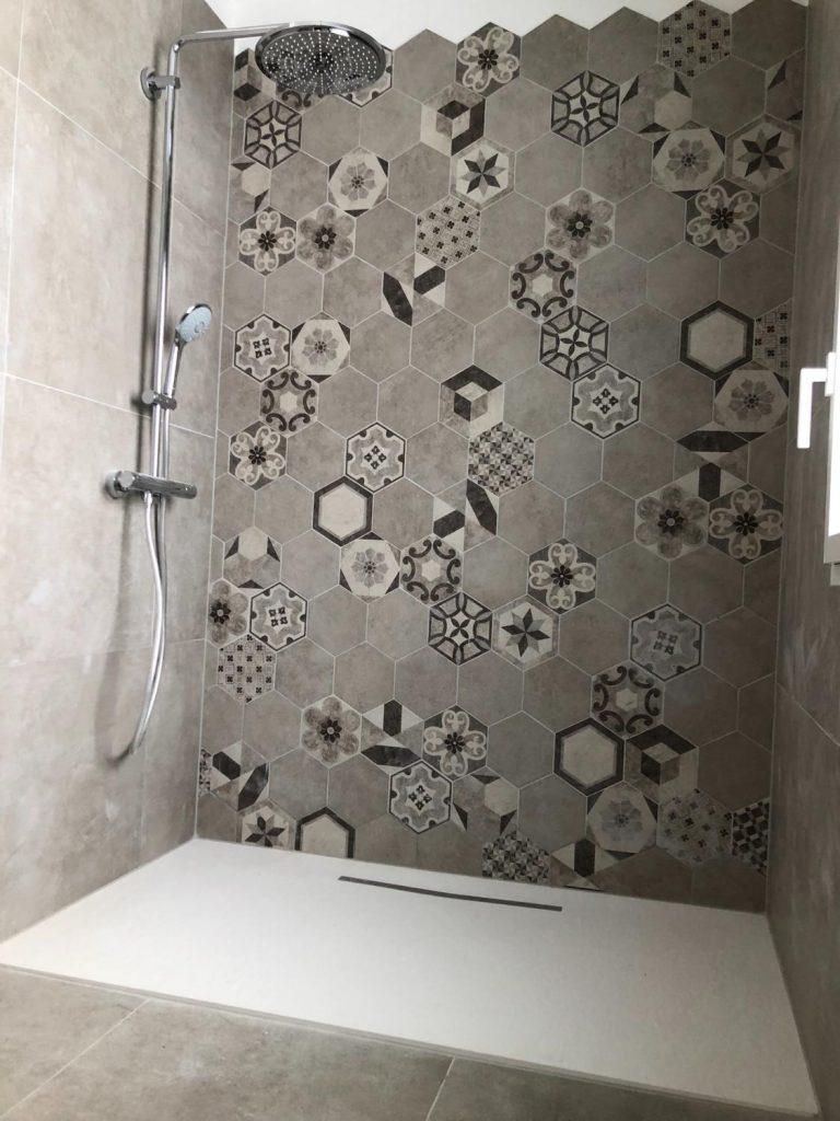 douche-italienne-sans-paroi-carreaux-ciment