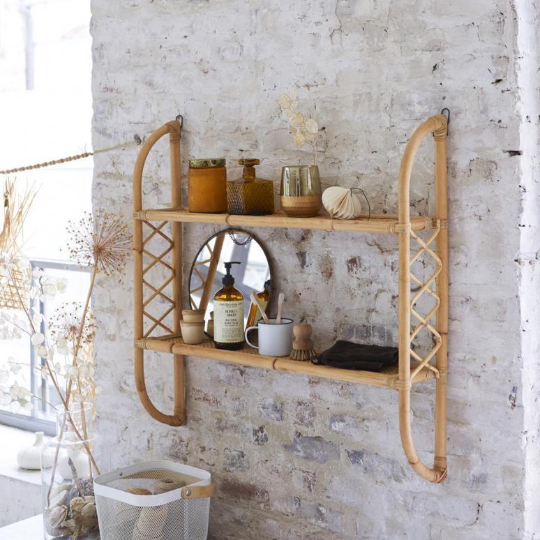etagere-murale-de-salle-de-bain-en-rotin
