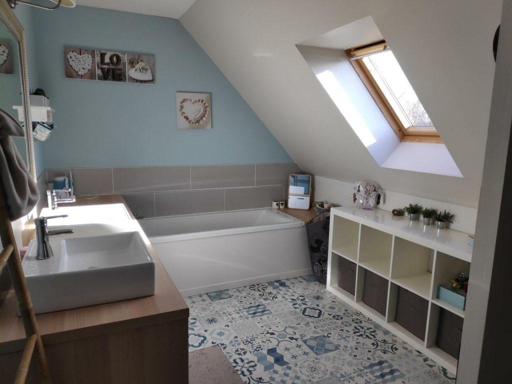 Baignoire Sous Les Combles salle de bain zen & nature : 30 idées pour vous inspirer