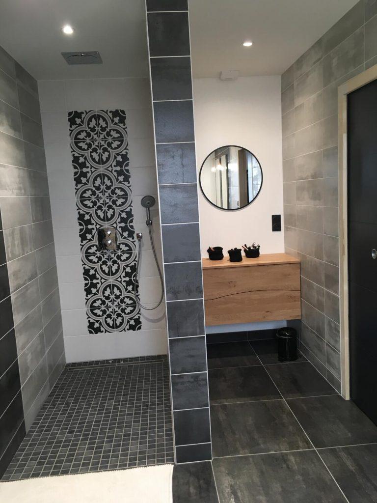 sdb-miroir-rond-bois-blanc-noir
