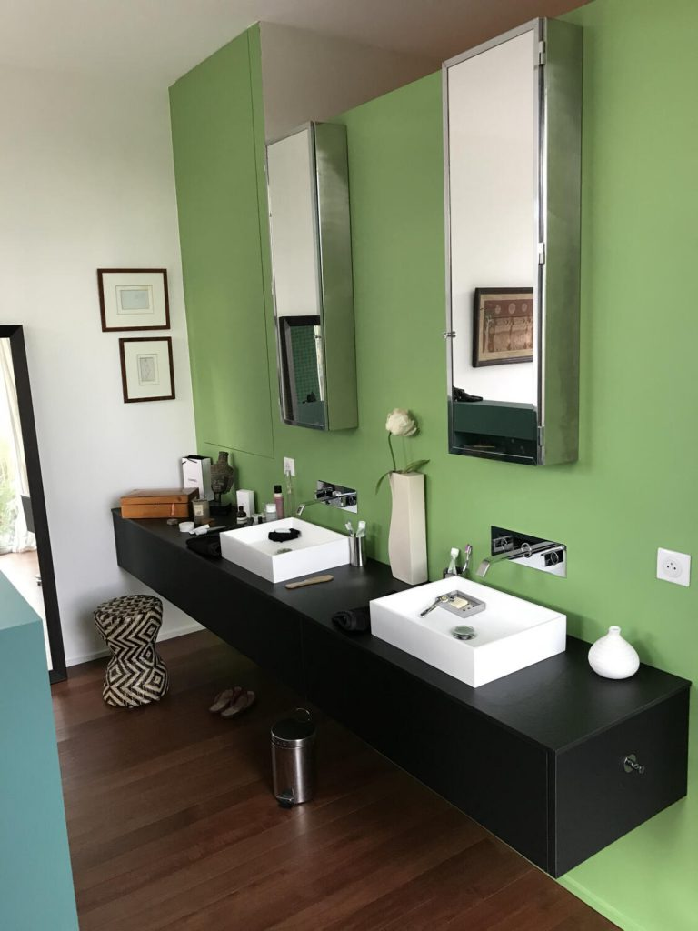 salle-de-bain-murs-vert-et-bleu