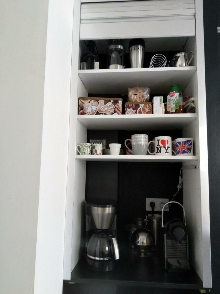 cuisine-rangement-vaisselle-style-industriel