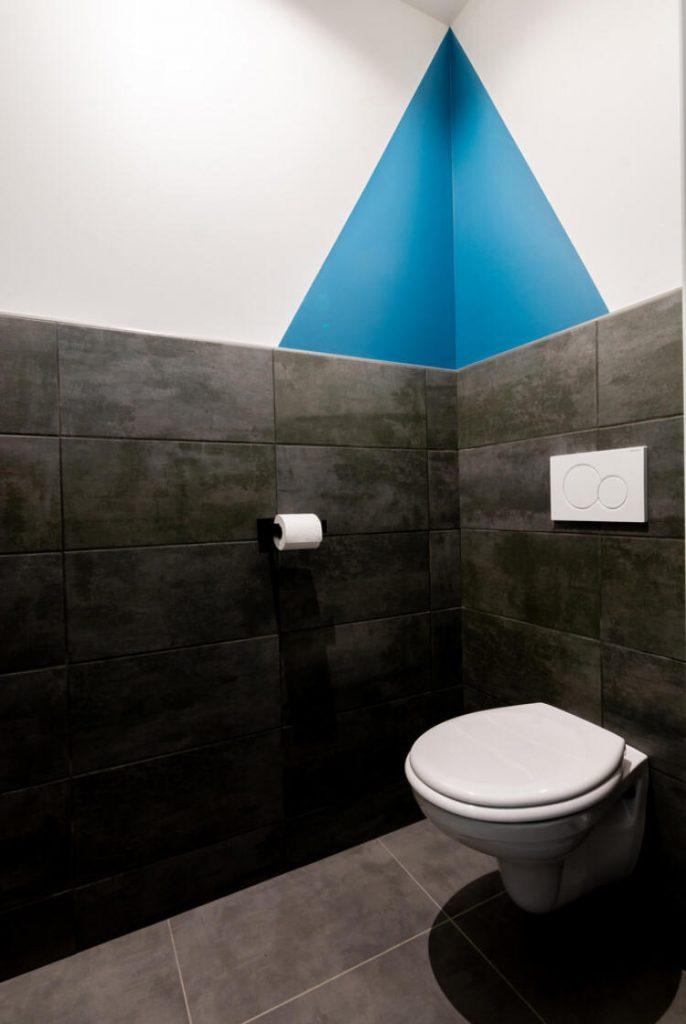 toilettes-modernes-peinture-graphique-design