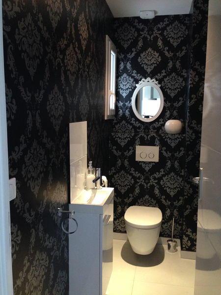 wc-suspendu-baroque-noir-et-blanc