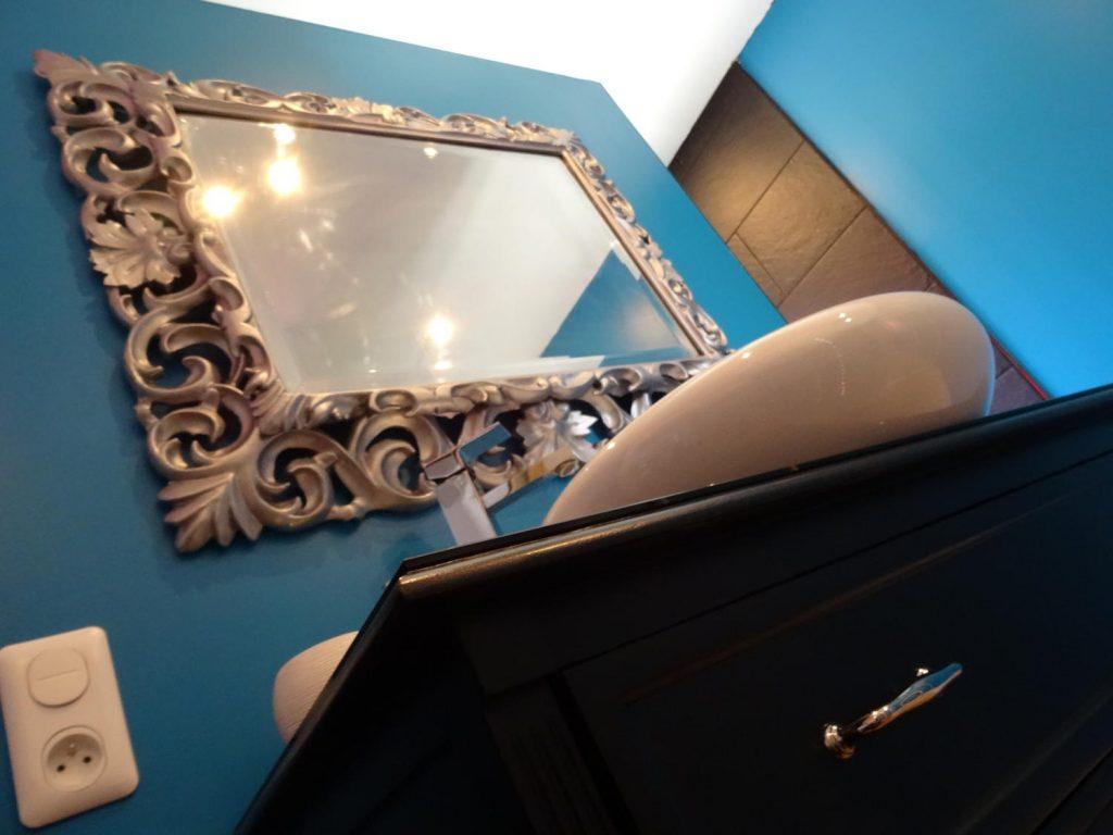 salle-de-bain-baroque-bleu-canard