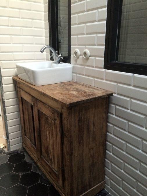 meuble-vasque-bois-blanc-noir