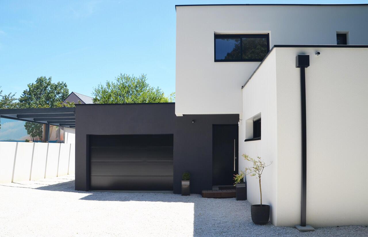 Façade biton maison cubique moderne