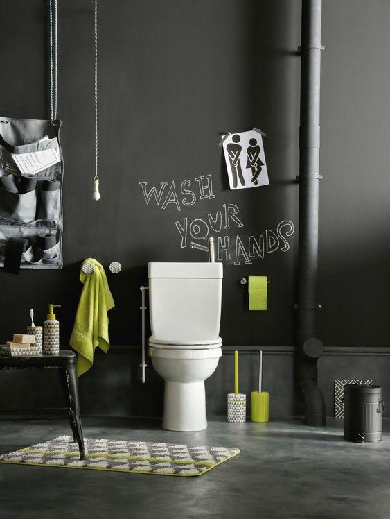 toilettes-sur-pieds-noire-ardoise-design