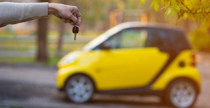 Coche eléctrico sin carnet: quién puede conducirlo y dónde