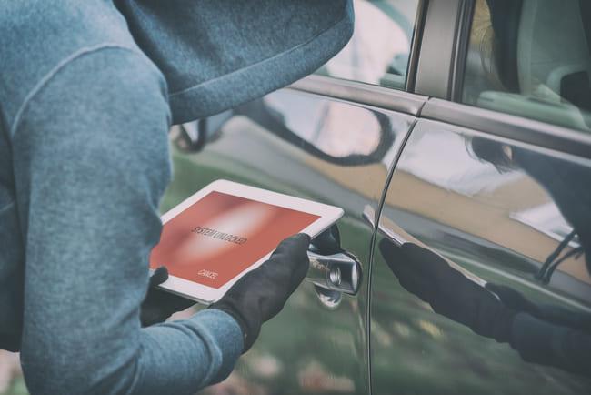 Métodos de hackeo de estas alarmas para autos o del sistema Bluetooth