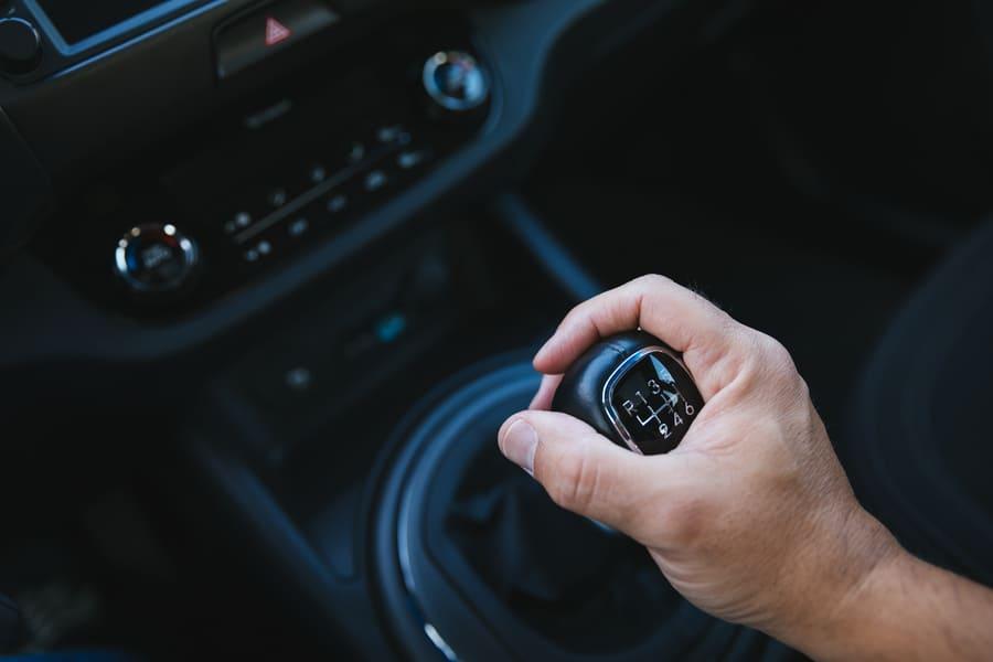 Freno motor en las transmisiones manuales