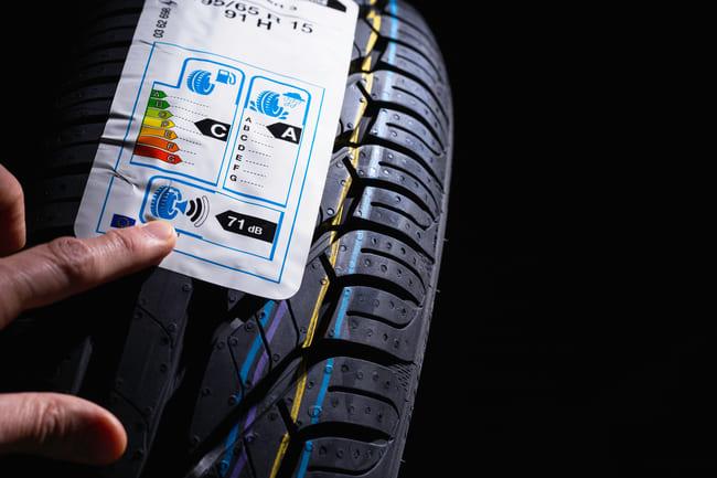 Informação relativa à etiqueta do pneu