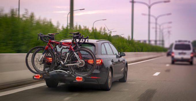 Przewóz roweru w samochodzie: bezpieczny i legalny