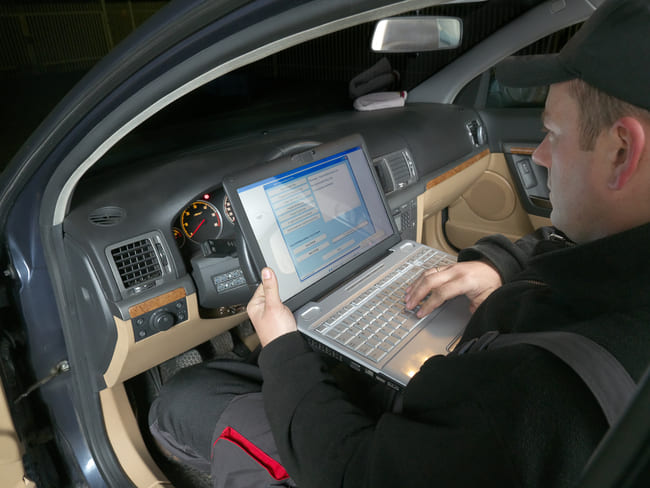 Außerdem ist es möglich, die besagte Fahrzeug-Identifizierungsnummer im Internet