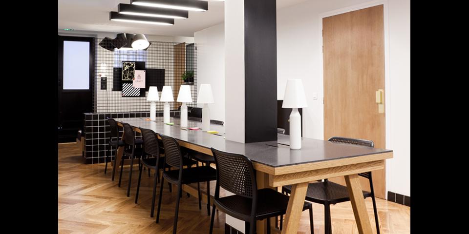 les caf s coworking o il fait bon travailler blog bureaux a partager. Black Bedroom Furniture Sets. Home Design Ideas