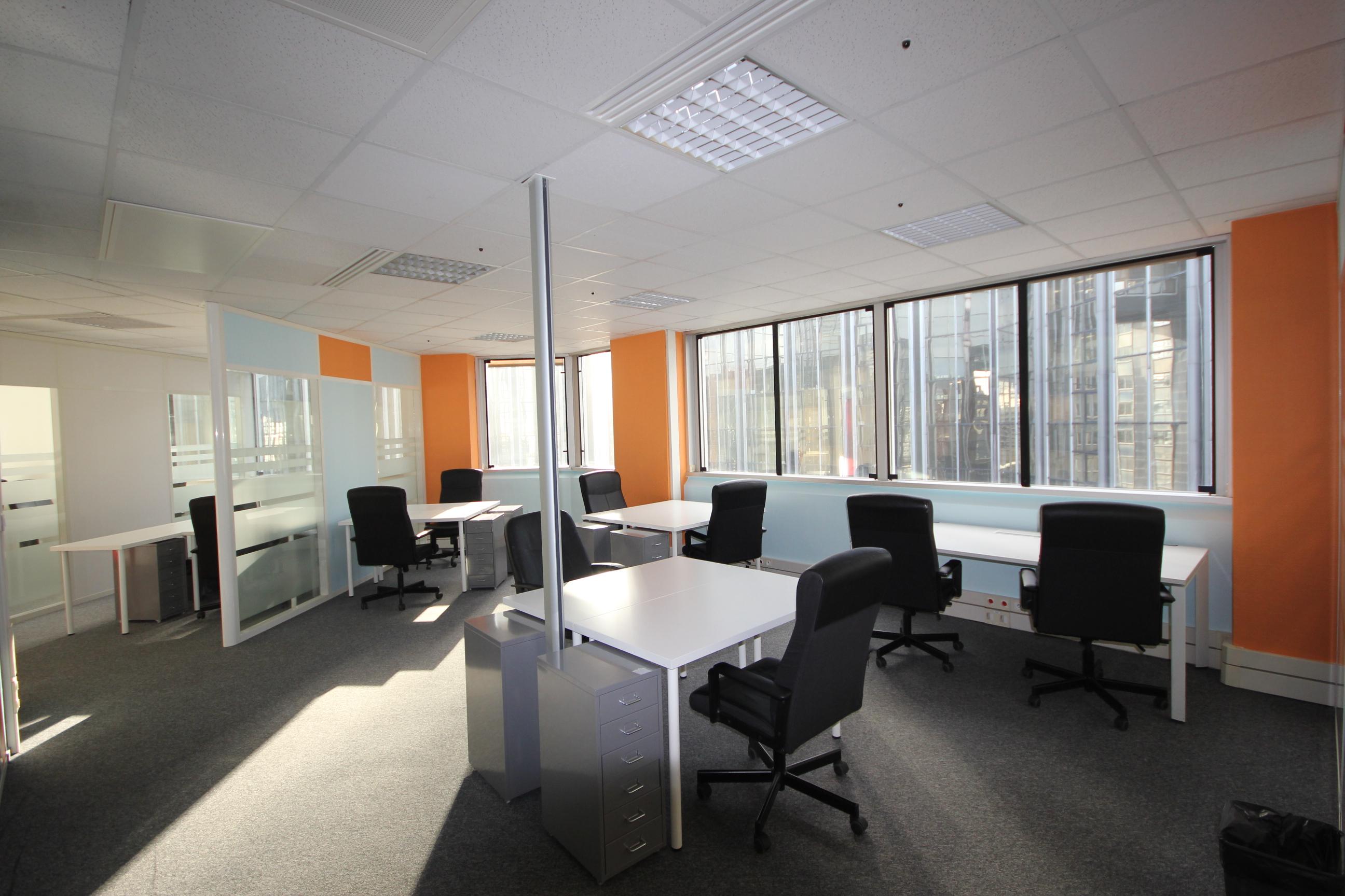 bons plans les bureaux pas chers paris bureaux partager le blog. Black Bedroom Furniture Sets. Home Design Ideas