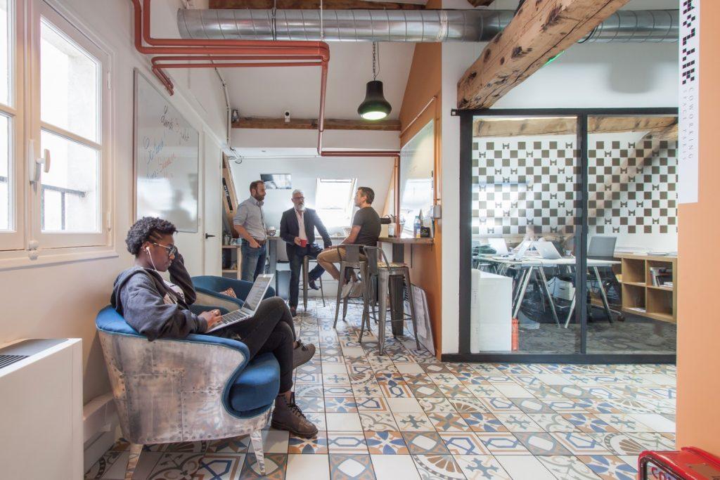 Pause café chez Mozaik Coworking