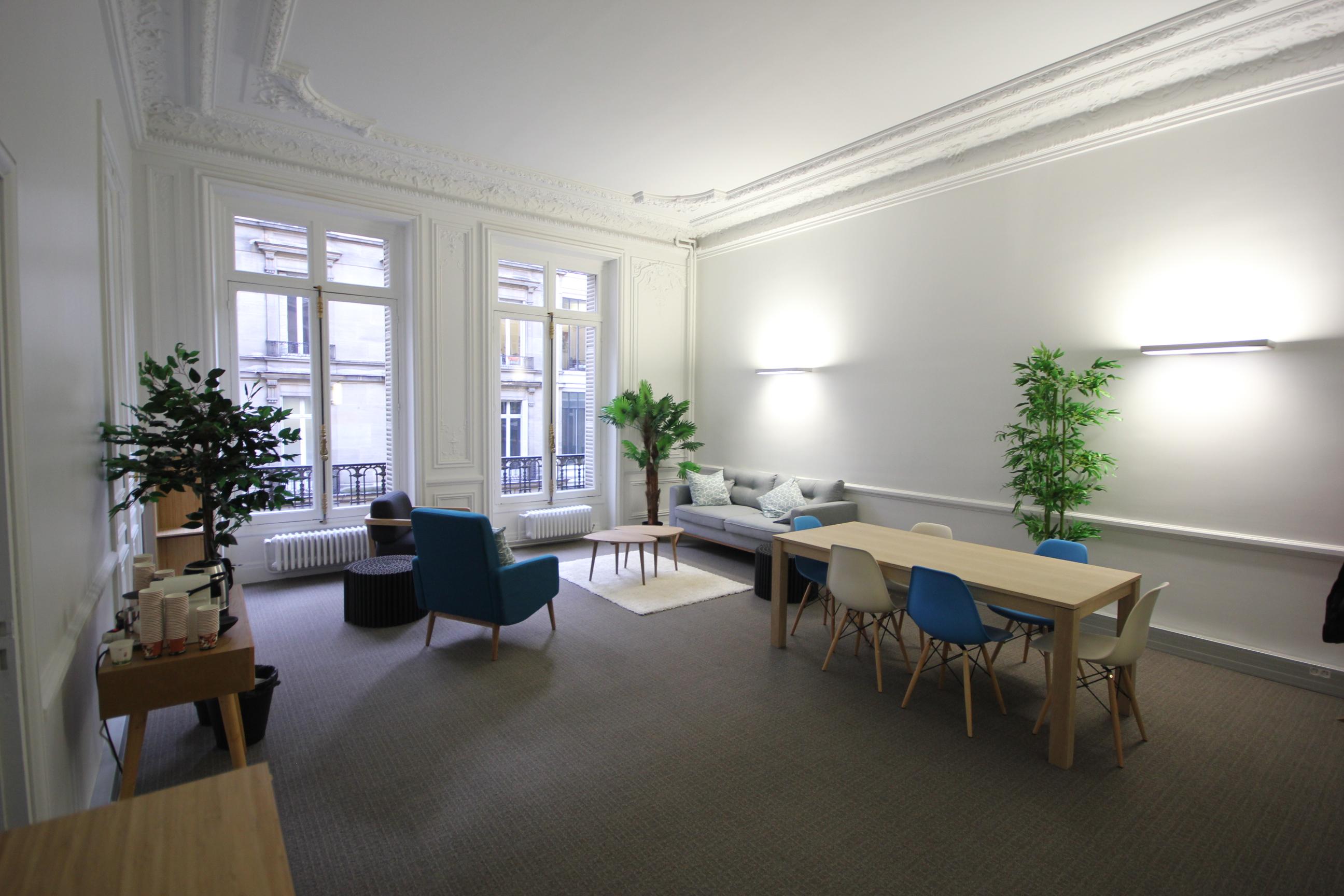 page presse de bureaux a partager. Black Bedroom Furniture Sets. Home Design Ideas