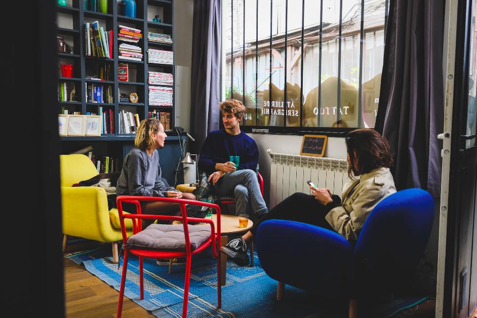 Laptop Coworking - Café Coworking