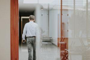 Résiliation contrat location bureau : comment informer le gestionnaire du bureau ?