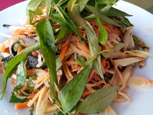 Món ngon Ninh Thuận: Gỏi ốc nón