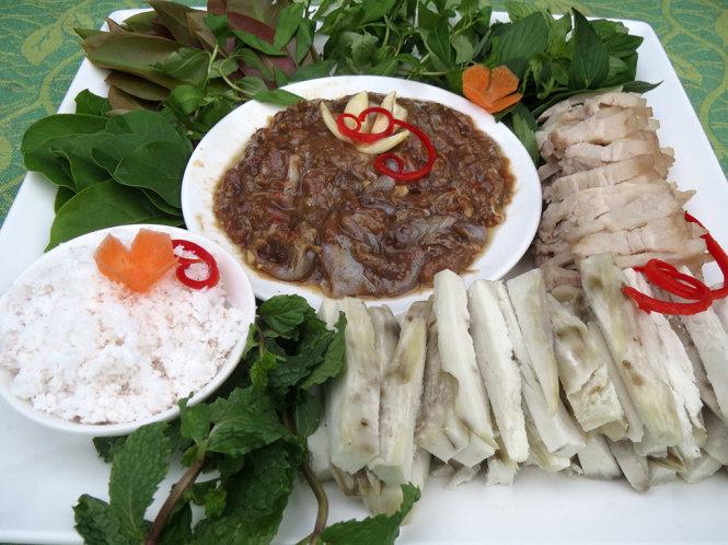 Ăn gì ở Vĩnh Long: Khoai lang mắm sống