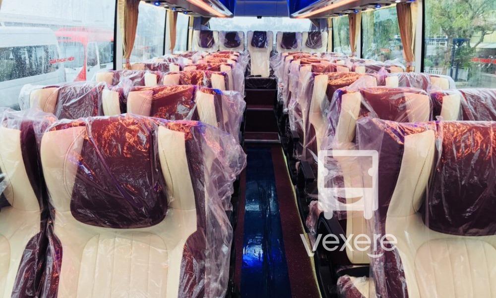 Xe limousine đi Cát Bà: Xe Orient