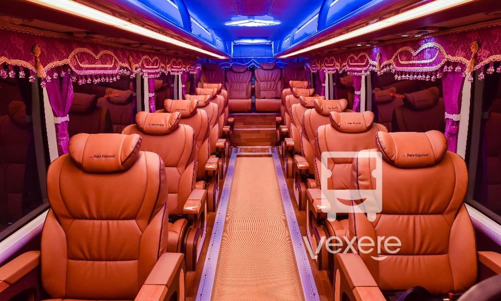 Xe limousine đi Sapa: Sapa Express