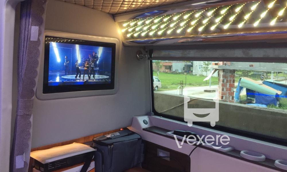 Xe limousine đi Nha Trang từ Sài Gòn: Tân Dũng Tiến
