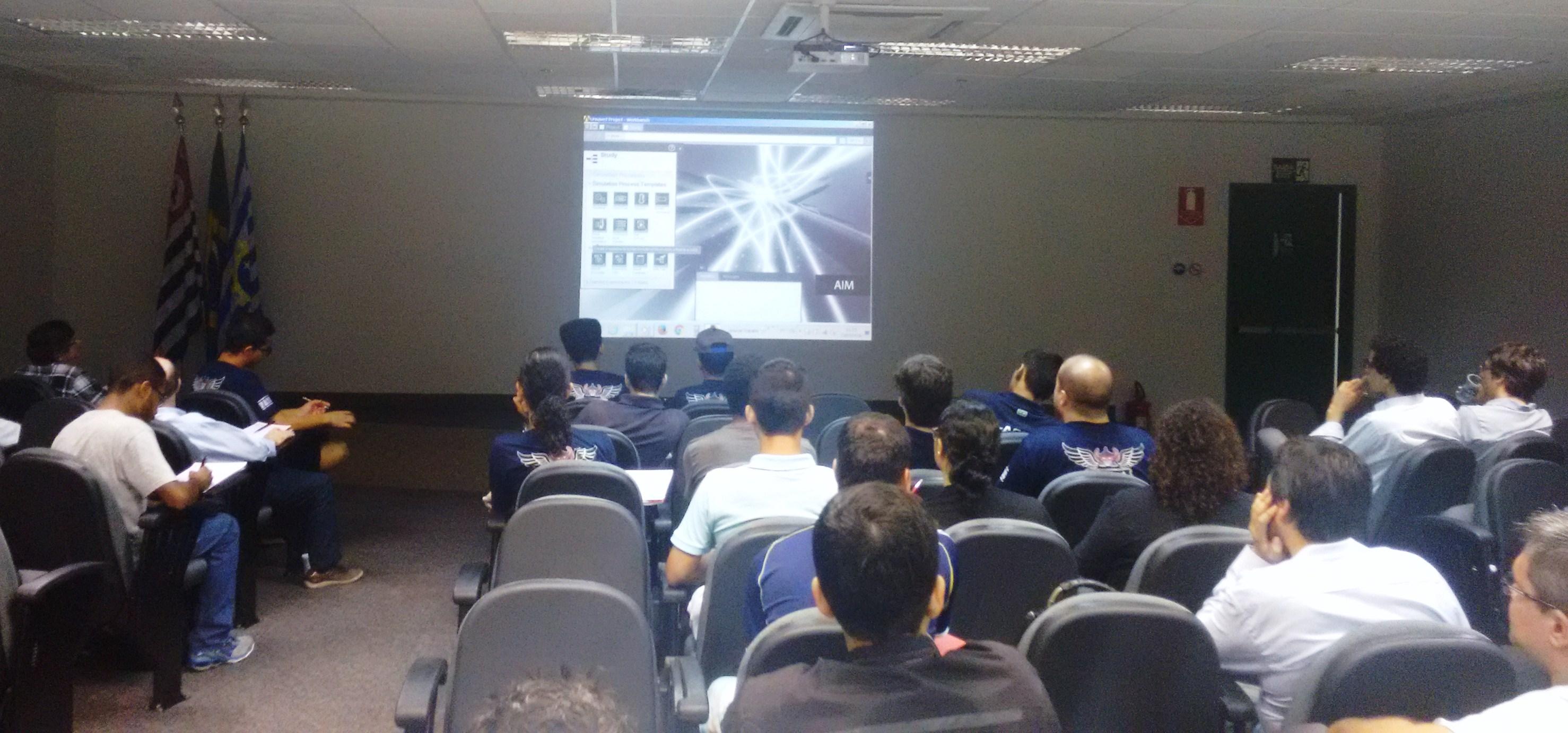 Evento reúne profissionais da academia e da indústria aeroespacial