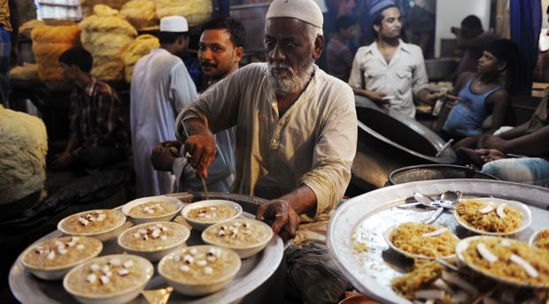 Food being served on Eid-Ul-Fitr. Image Courtesy: http://marginalmatters.in/
